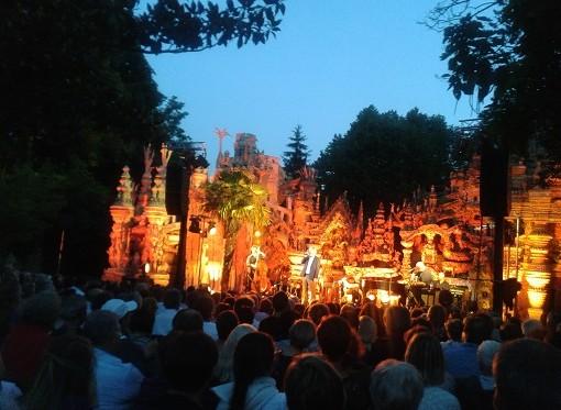Au Palais idéal, concert de Maxime Le Forestier