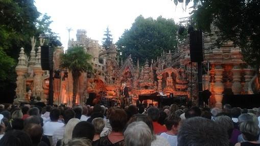 Au Palais idéal, le concert de Maxime Le Forestier