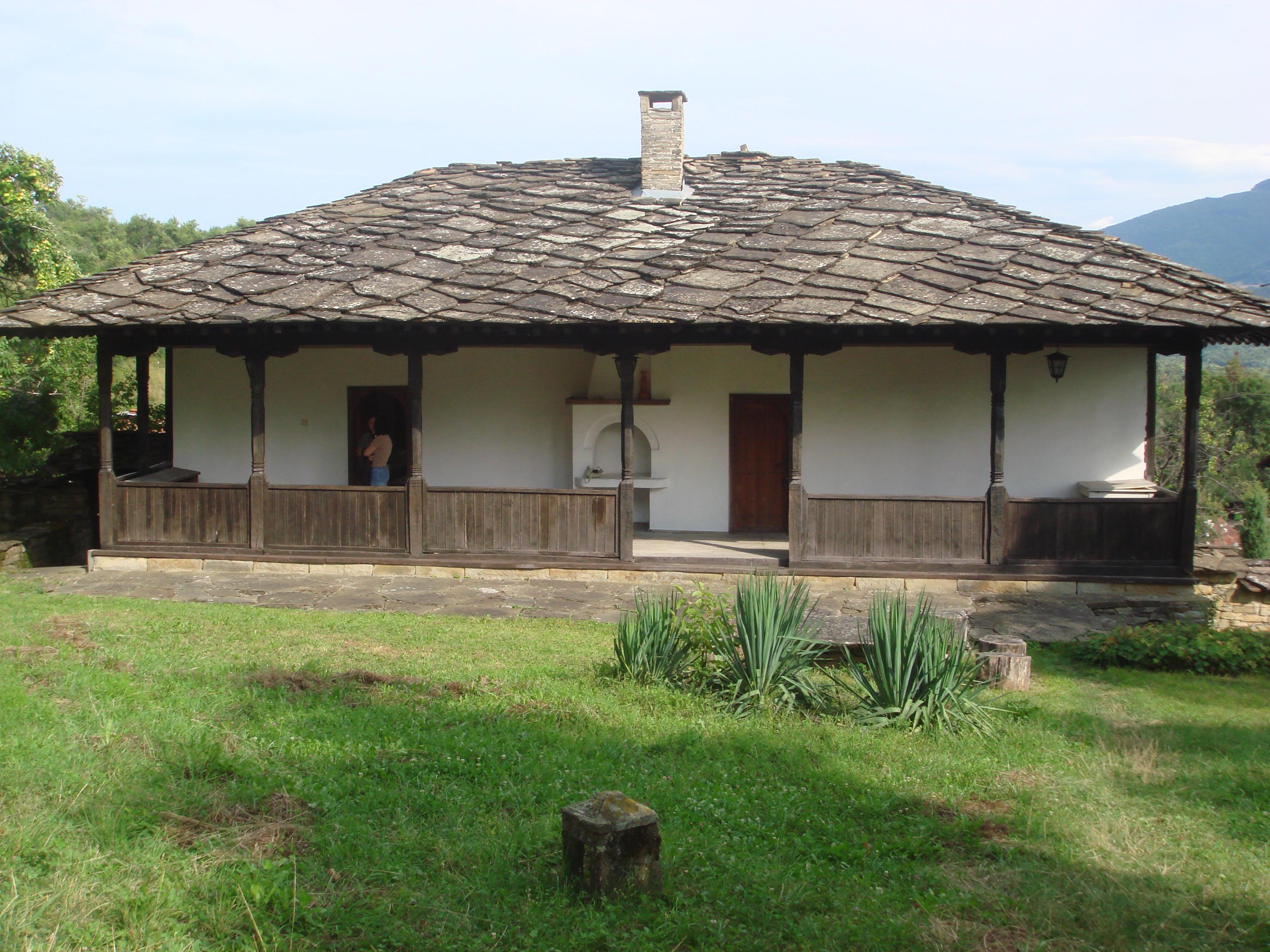L'école monastique de Goumoshtnik