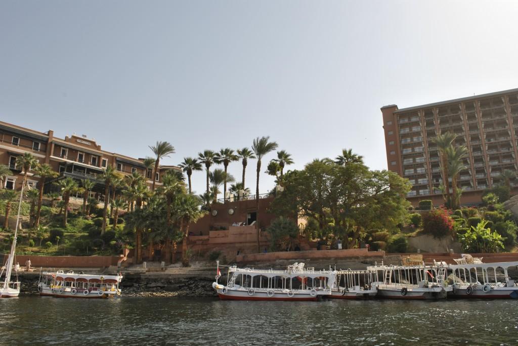Le Old et le New Cataract vue du Nil