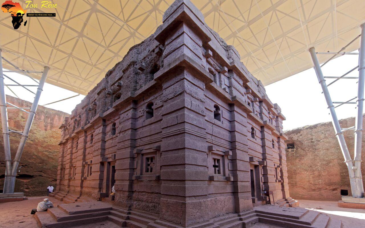 Lalibela, Ethiopie, l'église monolithique et rupestre Bete Amanuel, 12eme siecle