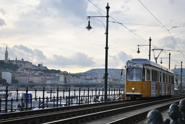 Sightseeking tour by tram at 1€