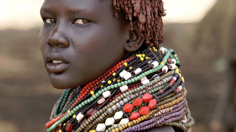 Jeune femme dans la vallee de l'Omo,Tribu Erboree