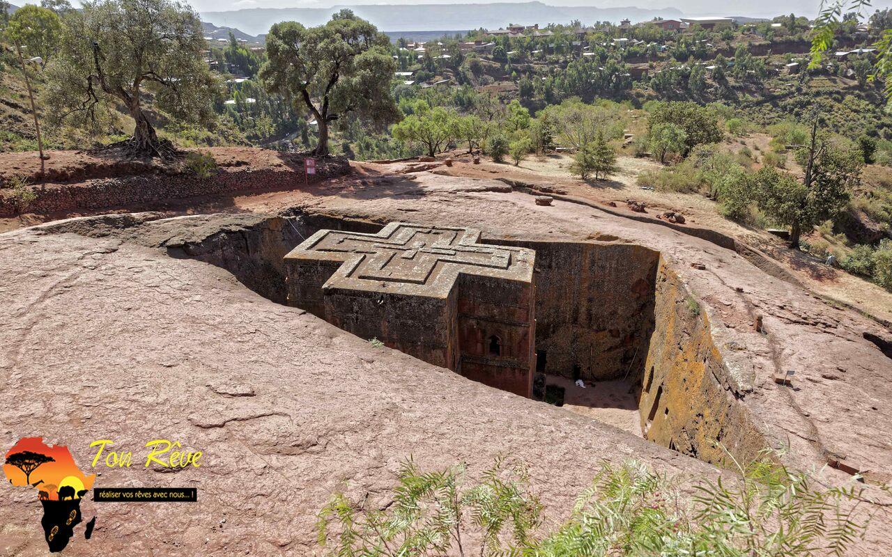 Lalibela, Ethiopie, l'église monolitique de St George, 12eme siècle